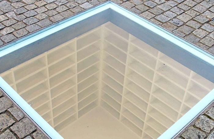 Il Memoriale del Rogo dei Libri a Berlino