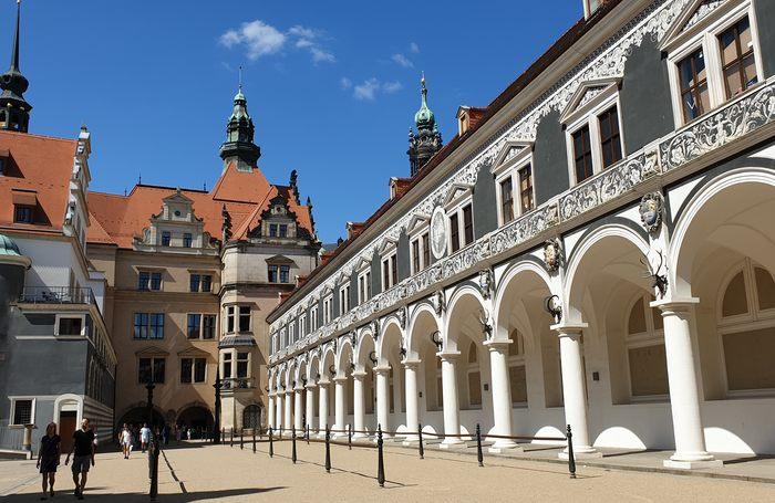 TOUR DRESDA - LA FIRENZE DELL'ELBA: visita guidata alla città di Dresda in italiano con partenza da Berlino.