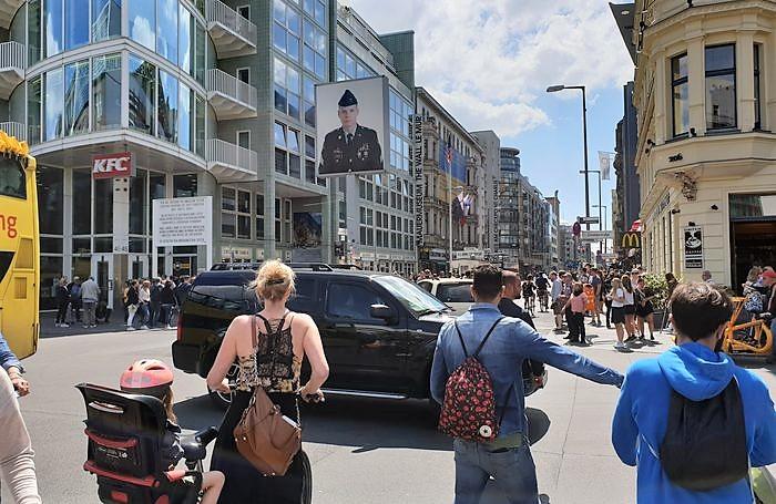 Le Checkpoint Charlie à Berlin