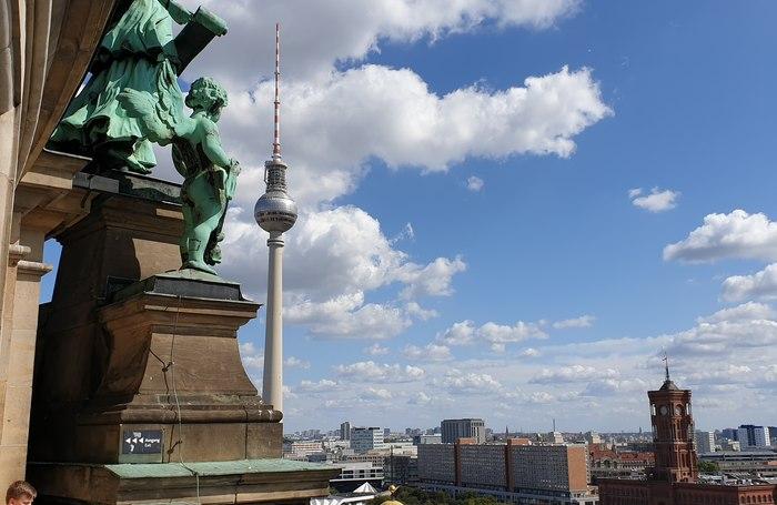 Vista di Berlino sulla Alexanderplatz
