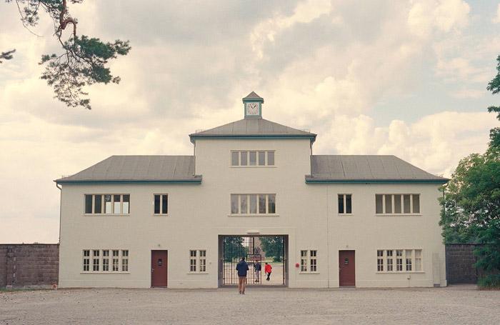 Visite guidée en Berlin du camp de concentration de Sachsenhausen avec un guide français