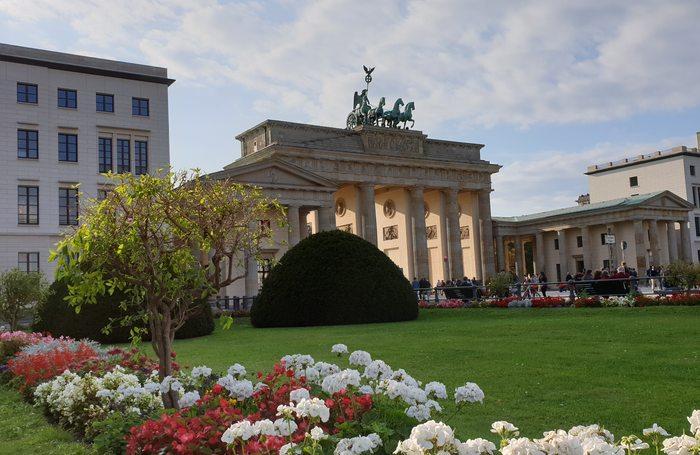 Das Brandenburger Tor Historische Eingang Nach Berlin Viveberlin Tours