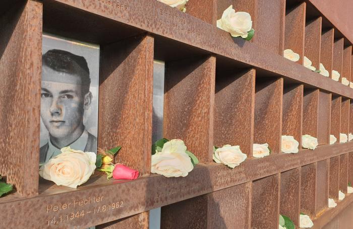Le Mémorial du Mur de Berlin dans la Bernauerstrasse est un lieu historique.