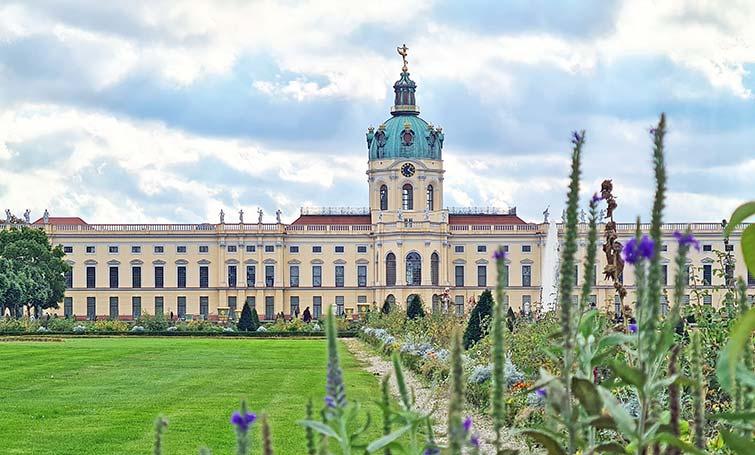 Fachada del Palacio de Charlottenburg en Berlín.